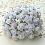 Różyczki białe 15mm - 10szt.
