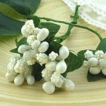 Gałązki z białymi jagódkami - 12szt.